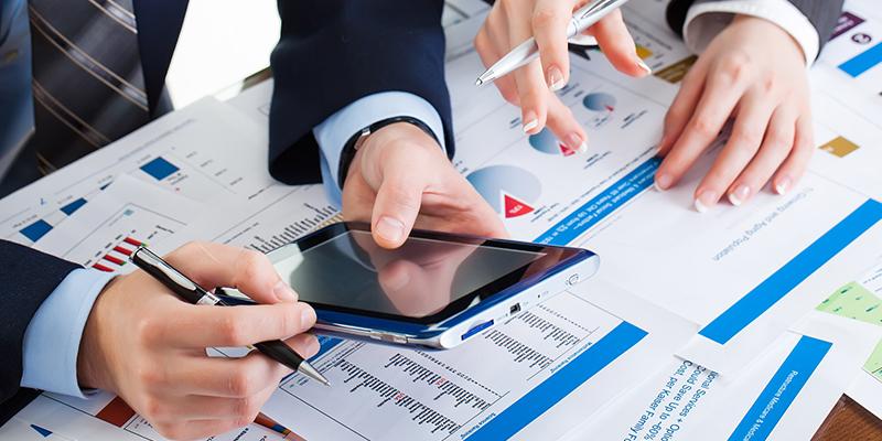 Академия Стрентън - Финансов контрол и анализ на финансови отчети